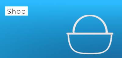 """blauer Hintergrund mit der Aufschrift """"Shop"""", daneben ein Korb"""
